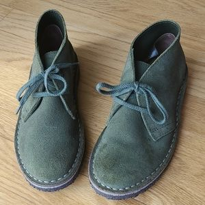 Size 1 boy Crewcuts shoes